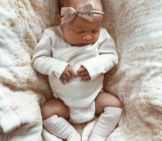 1 Aylık Bebek Gelişimi