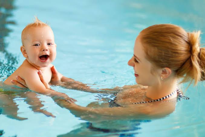 Bebeklerde Yüzme Hakkında Merak Edilenler