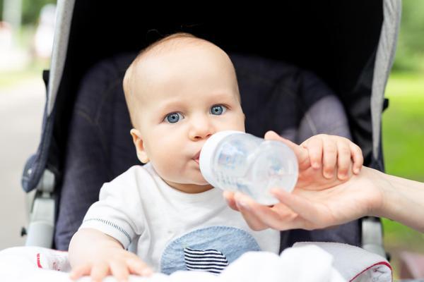 Bebeklerde Dehidrasyon Belirtileri, Tedavisi ve Alınacak Önlemler